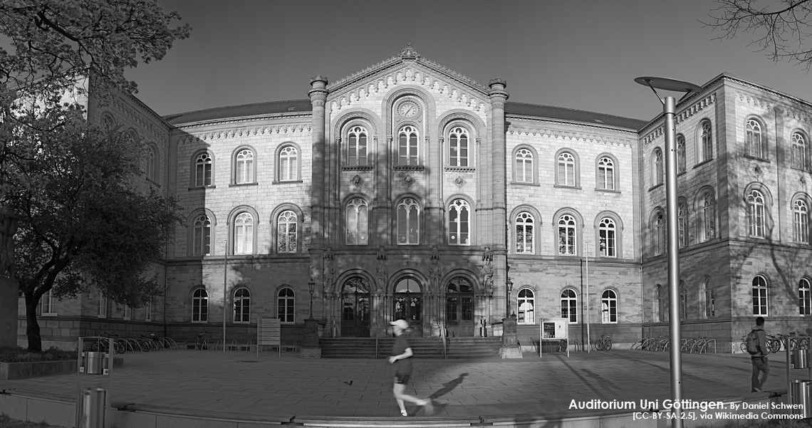 Auditorium_Göttingen_1140-BW